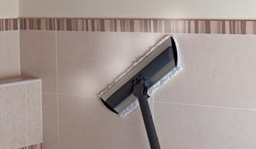 Steam Mop Vaporetto Lecoaspira - Detail: im Gebrauch auf Fliesen